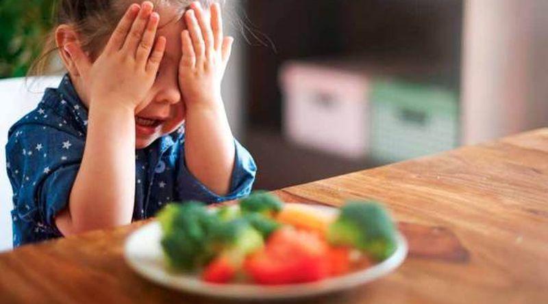 Cât trebuie să mănânce un copil și ce fac când nu mănâncă