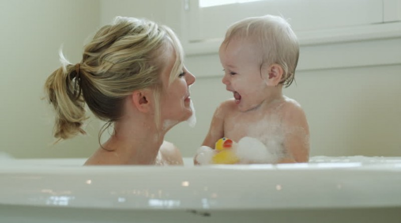 child mother bath