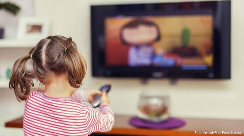copil televizor