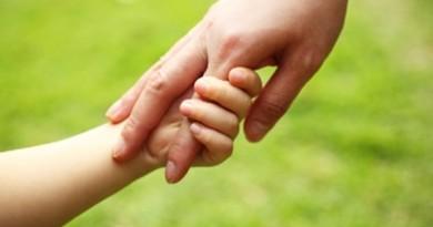 Un copil are nevoie de doar 3 lucruri. Restul sunt în mintea noastră