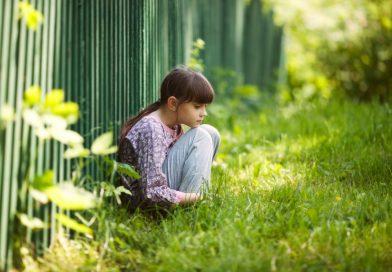 Povestea pantalonilor urâți sau cum niciodată nu e prea târziu să-i spui unui copil că-ți pare rău