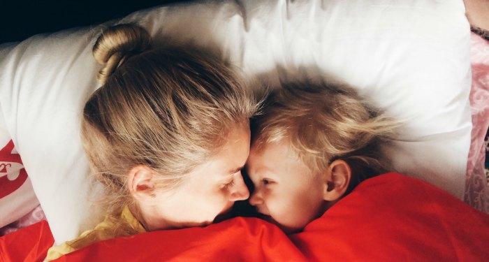 Cum adormi copilul
