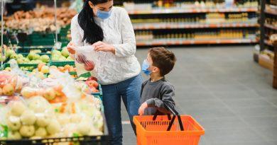 Despre bani, mâncare, shopping. Ce exemplu le dăm copiilor (p)